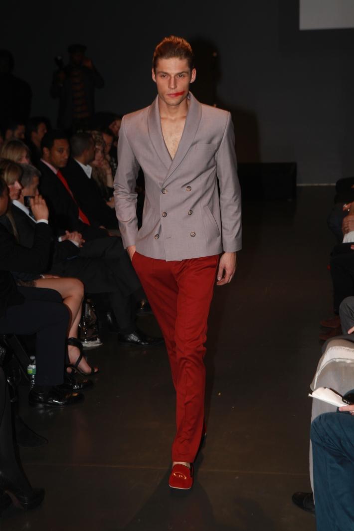 Giorgi Nazgaidze's collection at Charity Meets Fashion