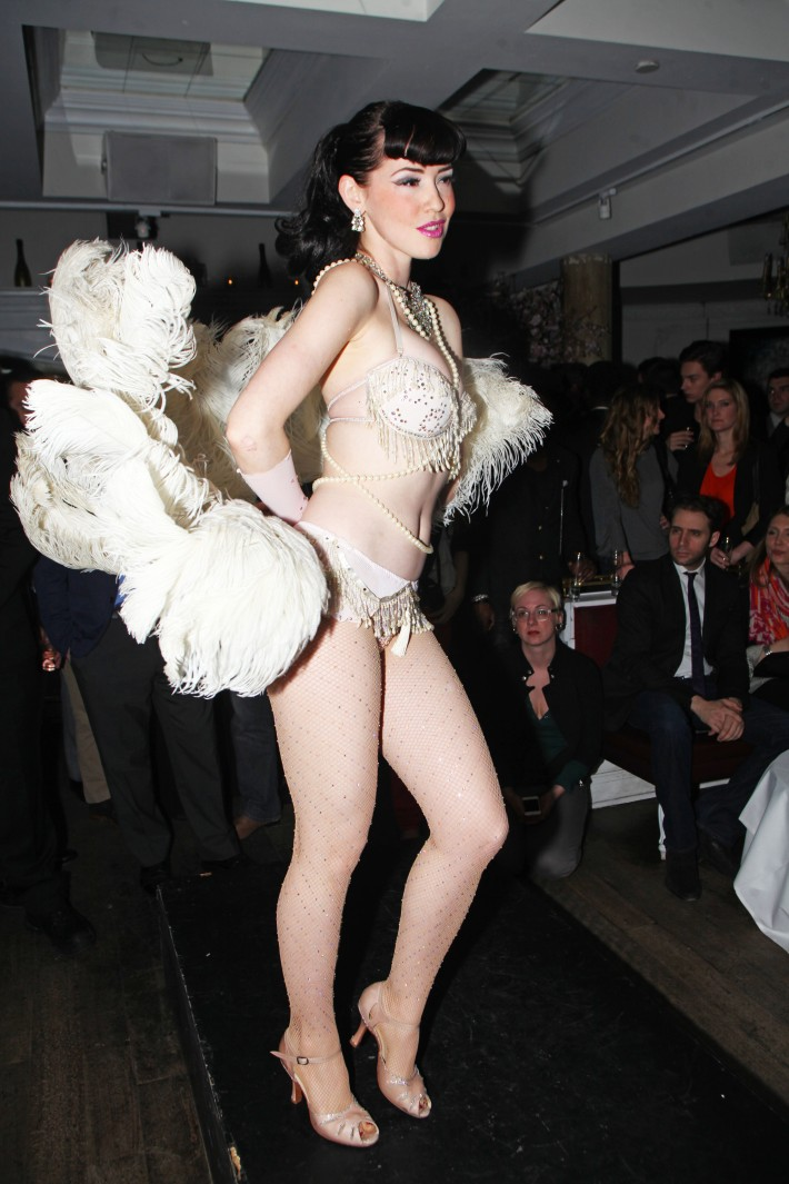Burlesque performer from Nuit Blanche at Magnifico Giornata Infused Essence Collection Launch Party (Photo by Yoni Levy)
