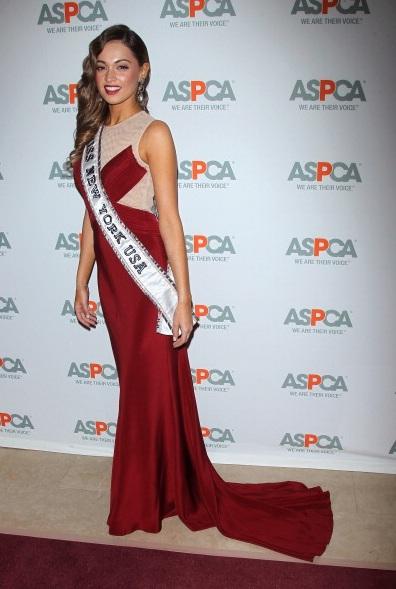 Joanne Nosuchinsky attends 16th Annual ASPCA Bergh Ball