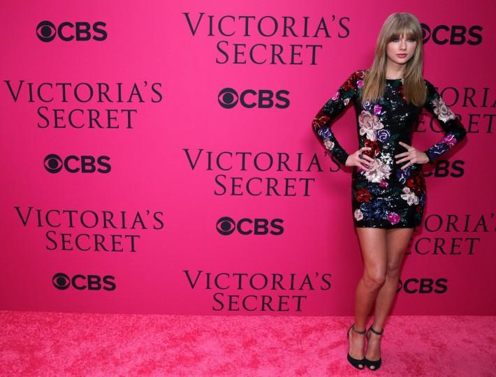 Taylor Swift at the 2013 Victoria's Secret Fashion Show