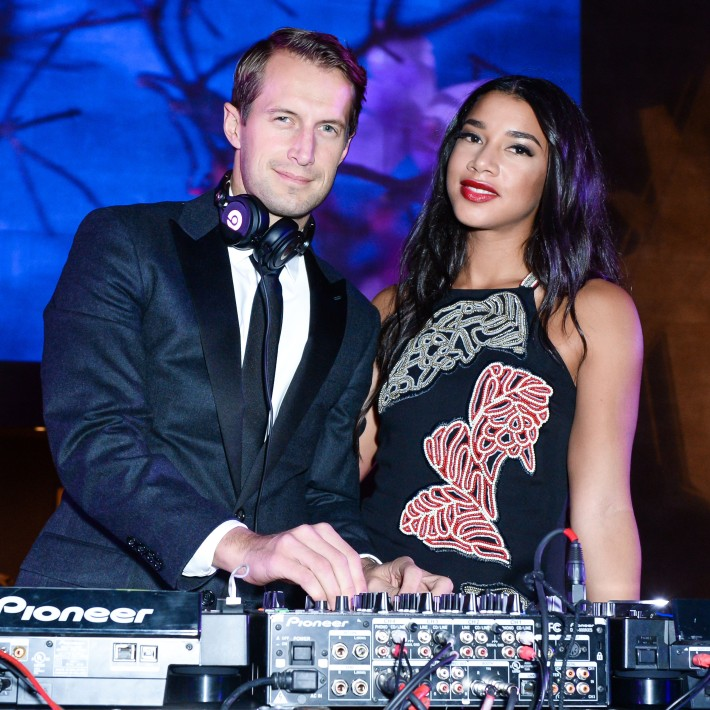 Brendan Fallis, Hannah Bronfman attend The 11th Annual Apollo Circle Benefit  (Courtesy of The Metropolitan Museum of Art/BFAnyc.com)