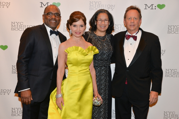 """Honoree Colbert Narcisse, Jean Shafiroff, Elsie McCabe Thompson, Honoree Hollis Russell  attend NYC Mission Society """"Champions for Children"""" Gala (Photo by Annie Watt)"""
