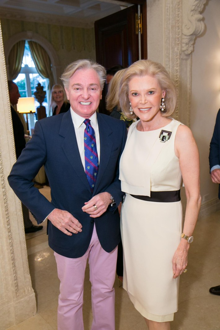 Geoffrey Bradfield, Audrey Gruss attend Palm Beach doctors and donors dinner for Hope for Depression Research Foundation (Photo by Doug McGlothlin)