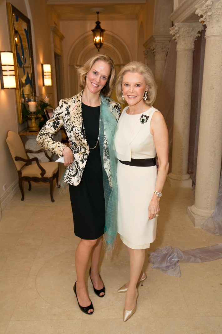 Louisa Benton, Audrey Gruss attend Palm Beach doctors and donors dinner for Hope for Depression Research Foundation (Photo by Doug McGlothlin)
