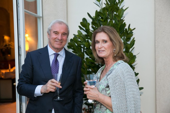 Terry White, Lis Waterman attend Palm Beach doctors and donors dinner for Hope for Depression Research Foundation (Photo by Doug McGlothlin)