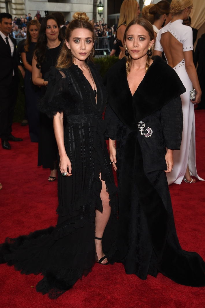 Ashley Olsen and Mary Kate Olsen attend the 'China: Through The Looking Glass' Costume Institute Benefit Gala at Metropolitan Museum of Art