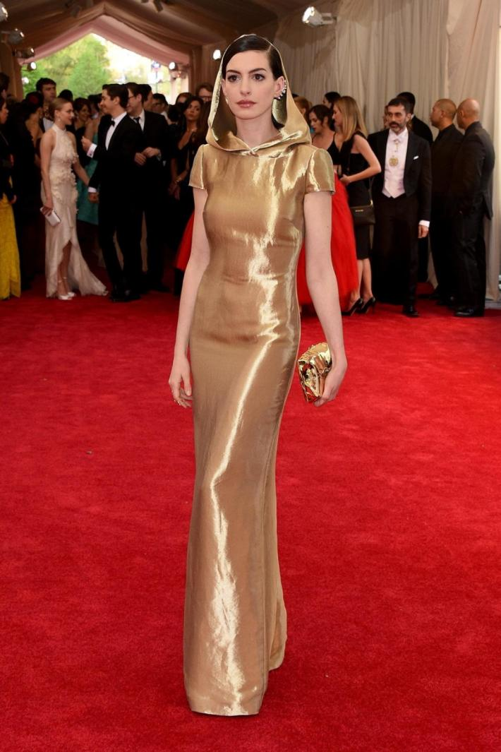 Anne Hathaway attends the 'China: Through The Looking Glass' Costume Institute Benefit Gala at Metropolitan Museum of Art
