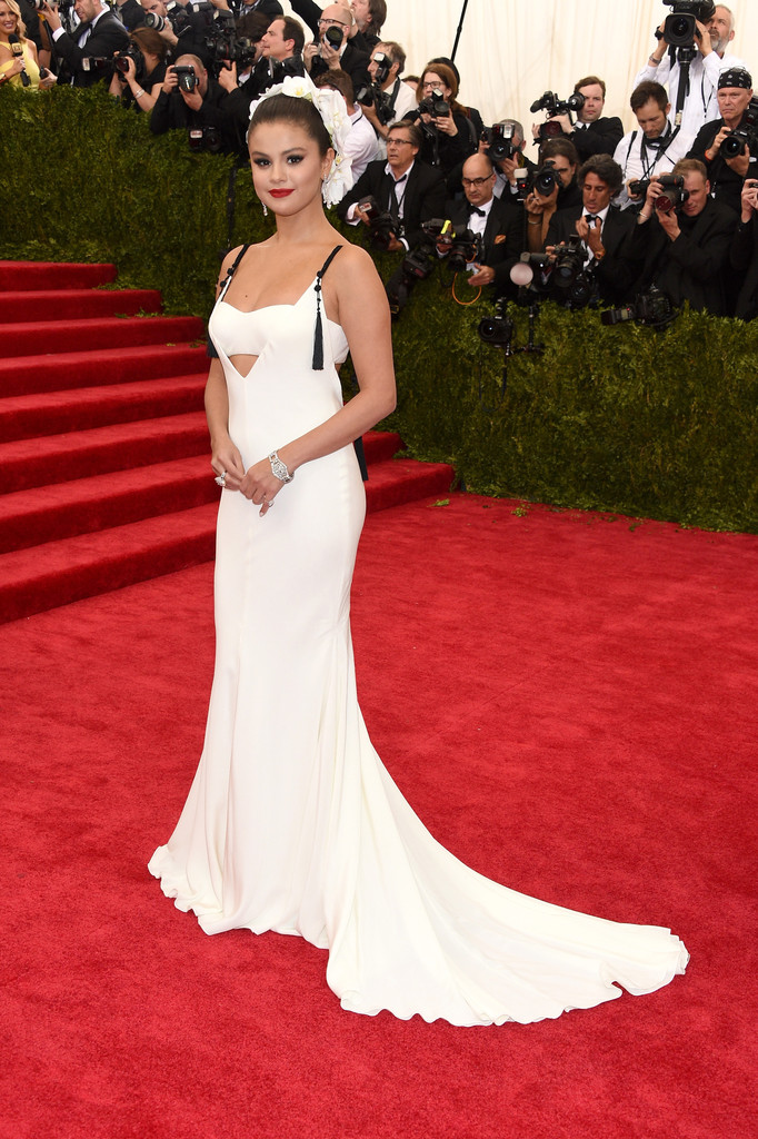 Selena Gomez attends the 'China: Through The Looking Glass' Costume Institute Benefit Gala at Metropolitan Museum of Art